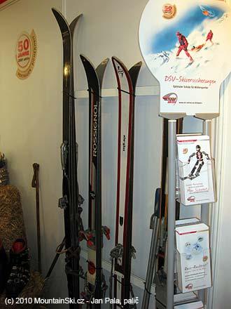 Trocha historického skialpového vybavení u DSV