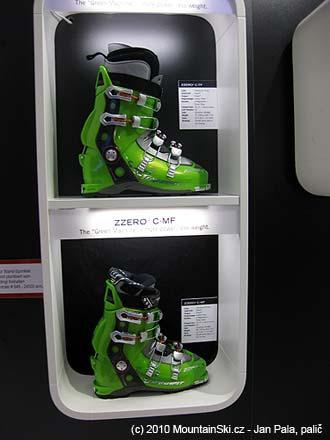 U Dynafitu byly k vidění hromady pěkných bot, včetně ZZero4, které jsem si koupil v roce 2009