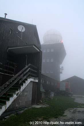 Megalomanské stavby na vrcholu Kojšovská hoľa