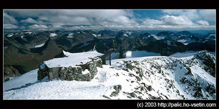 Nejvyšší norský vrchol Galdhopingen v září 2003