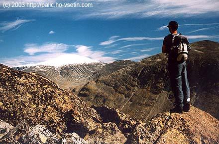 Výhled na Glittertind z výstupu na Galdhopiggen v září 2003