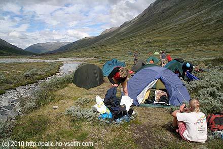 Naše tábořiště asi 1,5 km před Spiterstulenem