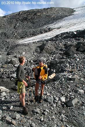 Simona a Jiří u čela ledovce Styggebreen