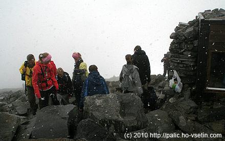 Na vrcholu Galhopiggenu, v popředí Norové od Juvasshyty