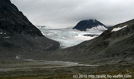 Jsme o kousek dále, další splaz ledovce Veobreen